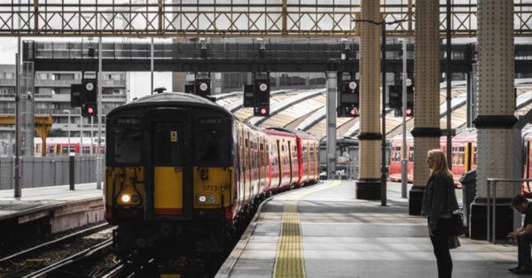 英語 乗り換える 電車 を 電車の乗換えでの英語表現「How do